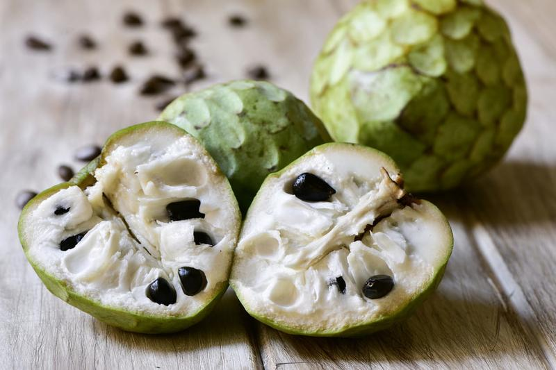 فوائد-فاكهة-القشطة-وكيفية-أكل-ثمار-القشطة